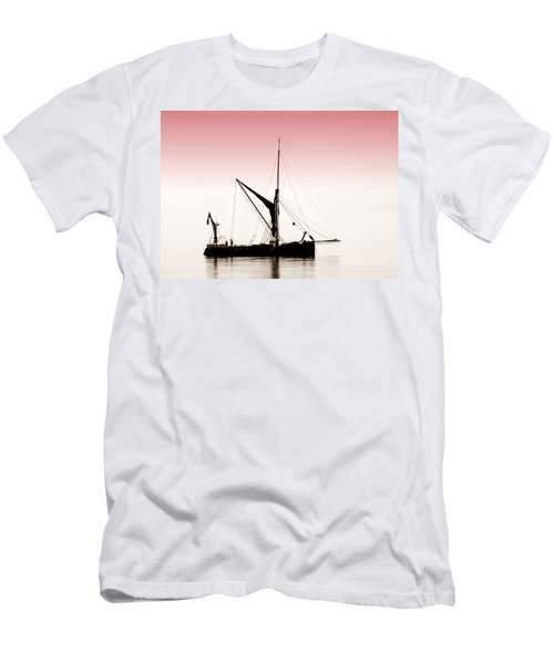 Coble Sailing  Against Pint Sky Men's T-Shirt (Athletic Fit)