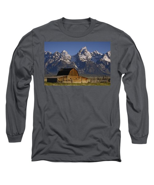 Cunningham Cabin In Front Of Grand Long Sleeve T-Shirt