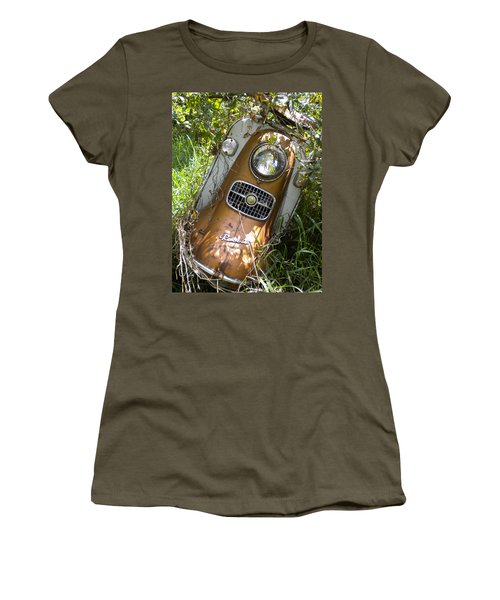 Scooter Rabbit Women's T-Shirt (Athletic Fit)