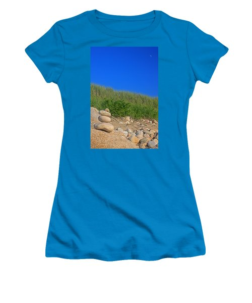Cairn Dunes And Moon Women's T-Shirt (Athletic Fit)