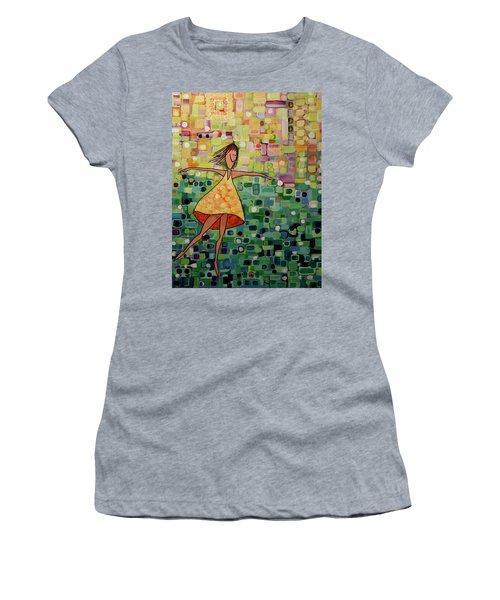 Spinning Women's T-Shirt