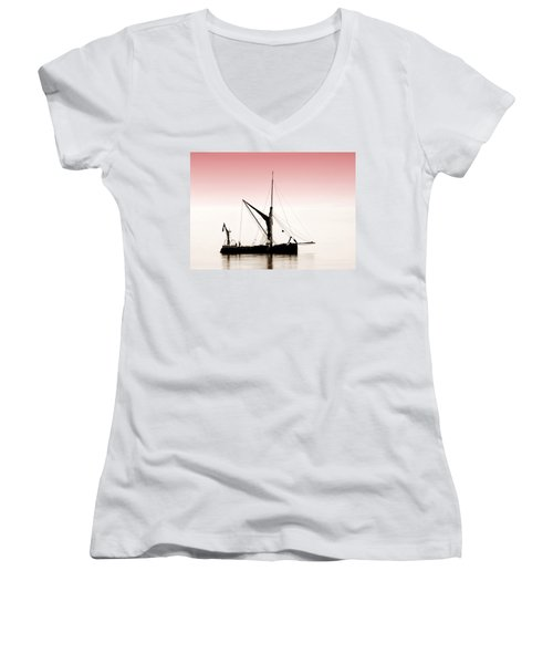 Coble Sailing  Against Pint Sky Women's V-Neck