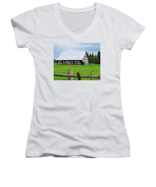 Dr Pierce' Barn 110514.109c1 Women's V-Neck T-Shirt
