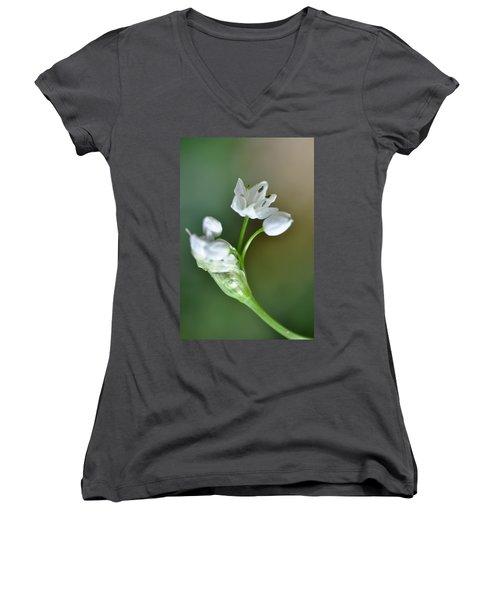 White Blossom 3 Women's V-Neck