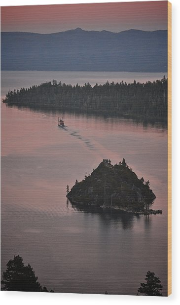 Tahoe Queen Steams Out Of Emerald Bay Wood Print