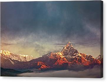 Sunrise On Anapurna Canvas Print by Stefan Nielsen