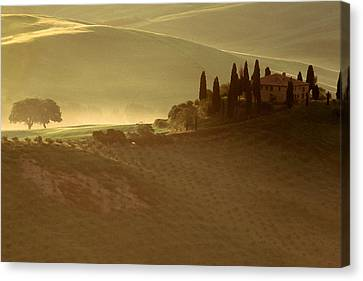 Tuscan Farmouse In Morning Mist Canvas Print