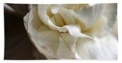 Hand Towel featuring the photograph Flower Beauty by Deniece Platt