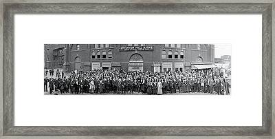 Pacifists At Station 1917 Framed Print