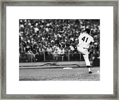 Tom Seaver (1944- ) Framed Print by Granger