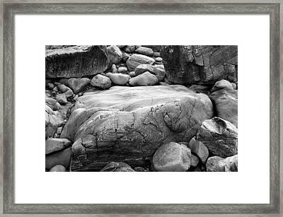 Coastal Granite In Black And White Framed Print by David Thompson