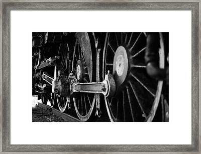 Engine 470 Framed Print by Chad Tracy