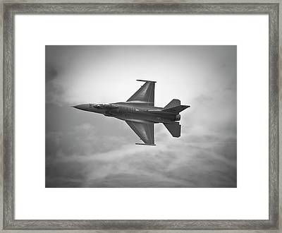 F-16 Fighting Falcon Framed Print