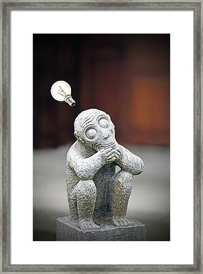 The Thinker Revisited. Framed Print by Gwoeii Ho