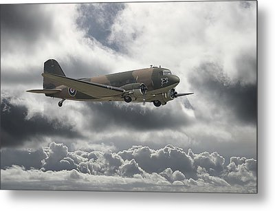 Dc3 Dakota   Workhorse Metal Print by Pat Speirs