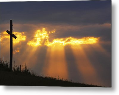 Metal Print featuring the photograph Glorious Sunrise by Rob Graham