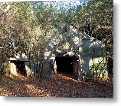 Metal Print featuring the photograph 1940's Barn by Pete Trenholm