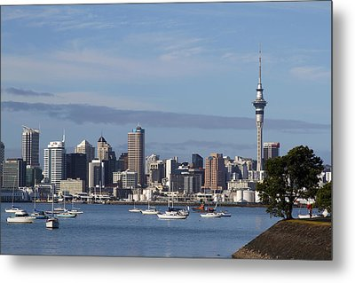 Auckland Metal Print by Les Cunliffe