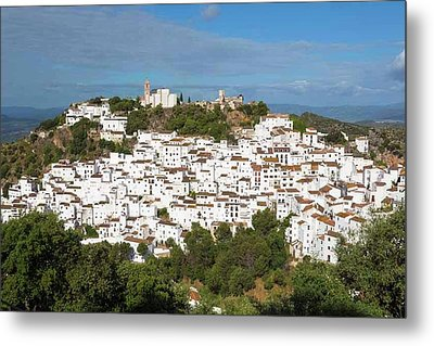 Casares, Spain. Whitewashed Town Metal Print by Ken Welsh