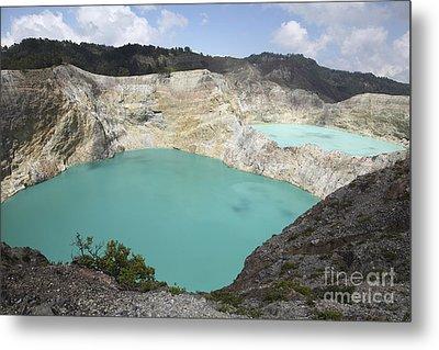 Colourful Crater Lakes Of Kelimutu Metal Print by Richard Roscoe