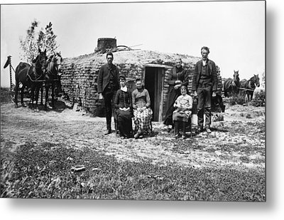 Metal Print featuring the photograph Nebraska Settlers, 1887 by Granger