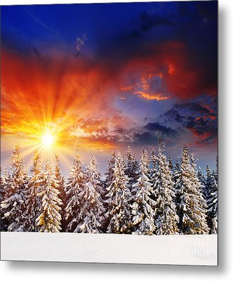 A Beautiful Sunset In The Winter Metal Print by Boon Mee