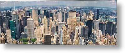 A Cloudy Day In New York City   Metal Print by Lars Lentz
