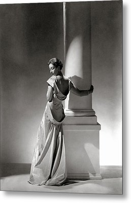 A Model In A Gown By Vionnet And Jewelry Metal Print by George Hoyningen-Huene