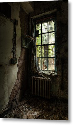 Abandoned - Old Room - Draped Metal Print by Gary Heller