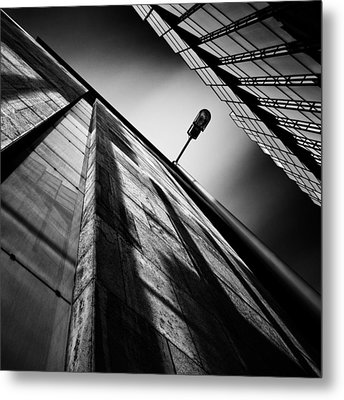 Alley Lamp Metal Print by Dave Bowman