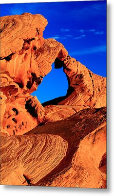 Arch Rock In The Valley Of Fire Metal Print by Eric Foltz