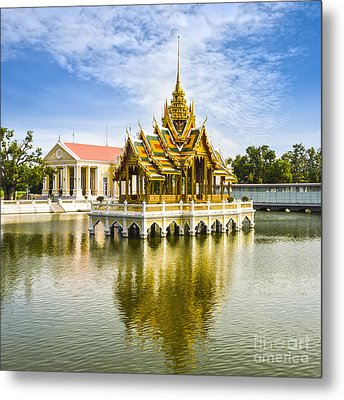 Bang Pa In Palace Thailand Metal Print by Colin and Linda McKie