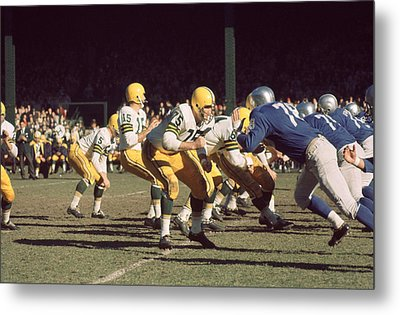 Bart Starr Drops Back Metal Print by Retro Images Archive