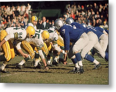 Bart Starr Lines Them Up Metal Print by Retro Images Archive