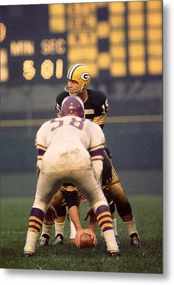 Bart Starr Looks Around Metal Print