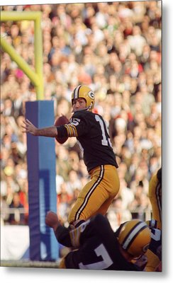Bart Starr Throwing Metal Print by Retro Images Archive
