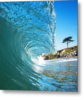 Beach Wave Metal Print by Paul Topp