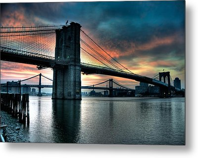 Brooklyn And Manhattan Bridges - Rosy Fingered Dawn Metal Print
