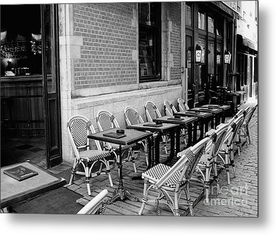 Brussels Cafe In Black And White Metal Print by Carol Groenen
