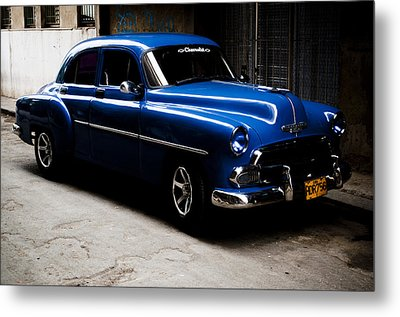 Chevrolet In Havana Metal Print by Dan  Grover
