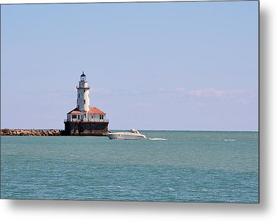 Chicago Light House With Boat In Lake Michigan Metal Print