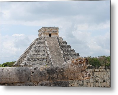 Chichen Itza Metal Print by Robert  Moss