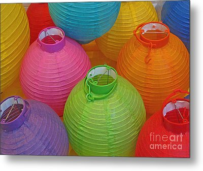 Chinese Lanterns Metal Print by Ranjini Kandasamy