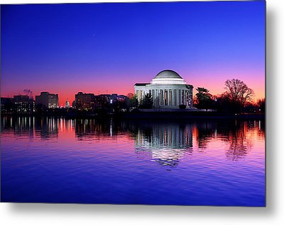 Clear Blue Morning At The Jefferson Memorial Metal Print