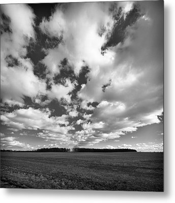 Clouds In The Heartland Metal Print by Dick Wood