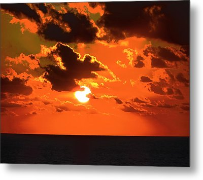 Metal Print featuring the photograph Coco Cay Sunset by Jennifer Wheatley Wolf