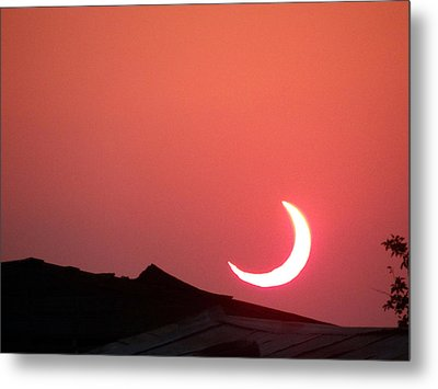 Crescent Sunset Metal Print by Tom DiFrancesca