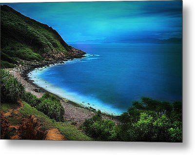 Metal Print featuring the photograph Dreamlike Grass Island by Afrison Ma