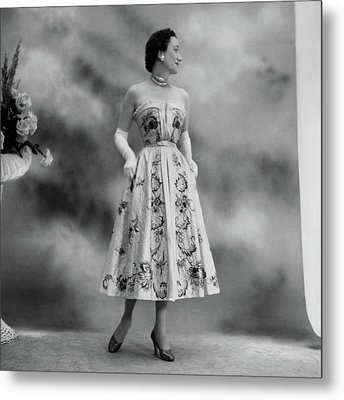 Duchess Of Windsor In A Dior Ball Gown Metal Print