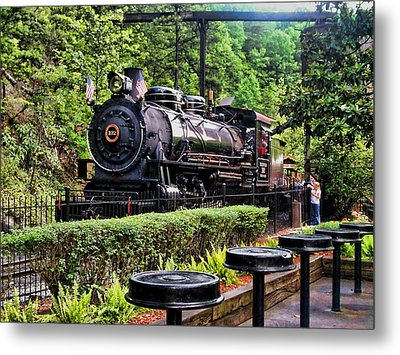 Metal Print featuring the photograph Engine 102 by Victor Montgomery